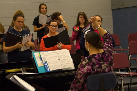 Choir students sing to be heard
