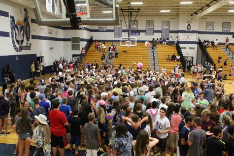 Lightning delay becomes incredible party