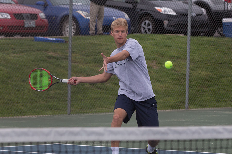 Junior+Jack+Pordea+during+his+championship+singles+match.+He+defeated+his+opponent+and+came+in+first+in+number+one+singles.