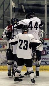 Ice hockey takes down Ladue 9-2