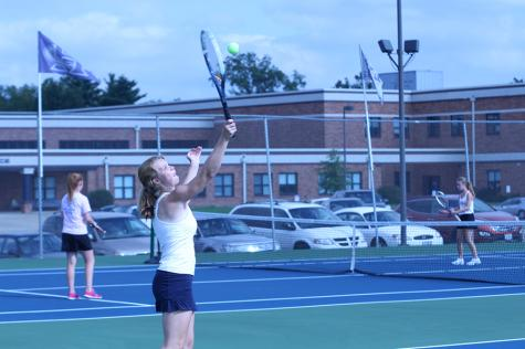 Girls tennis finishes the season with district tournaments