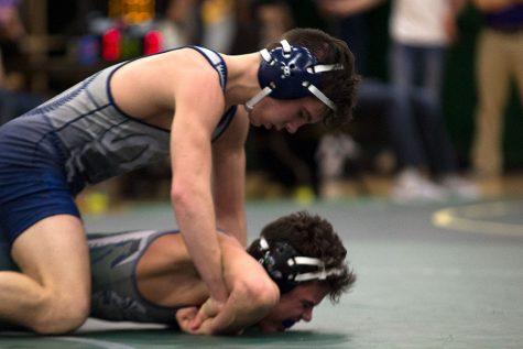 Wrestling team crushes districts