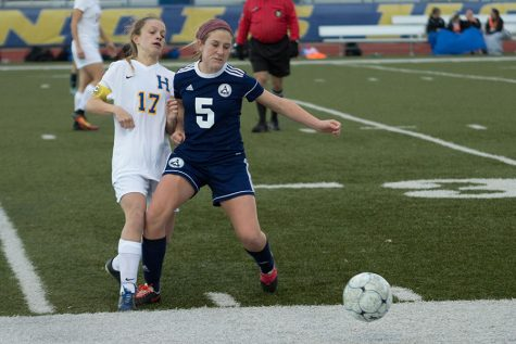 Girls soccer loses to Howell